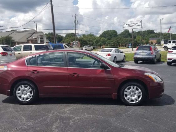 Nissan Altima 2011 Red