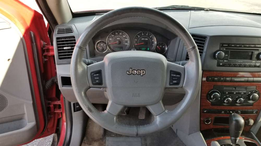 Jeep Grand Cherokee 2005 Red