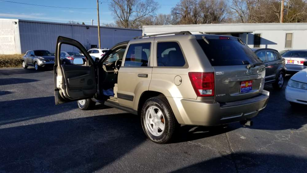 Jeep Grand Cherokee 2006 Gold