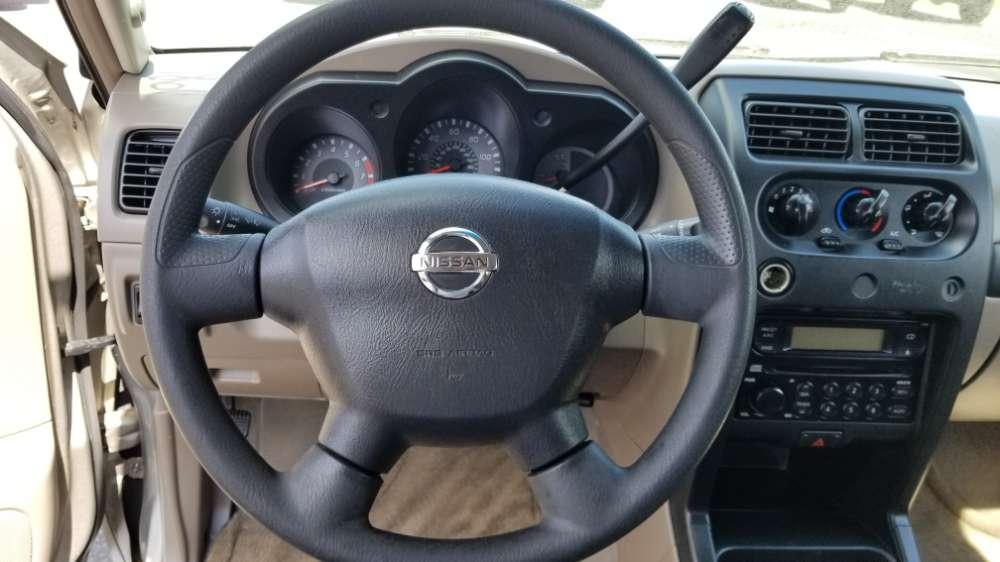 Nissan Frontier 2003 Tan