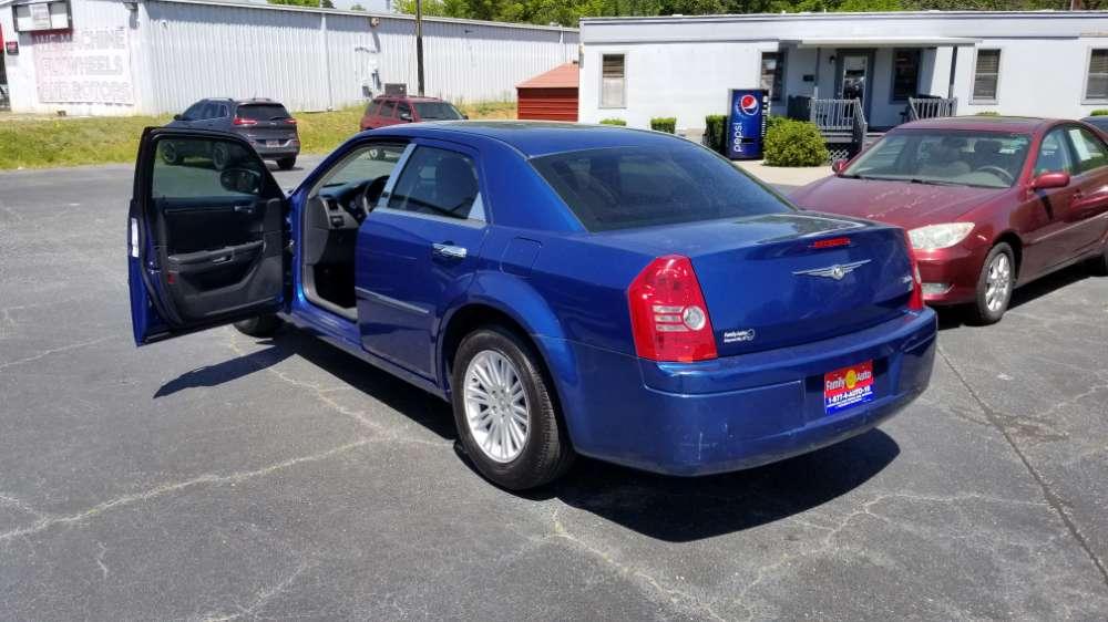 Chrysler 300 2009 Blue