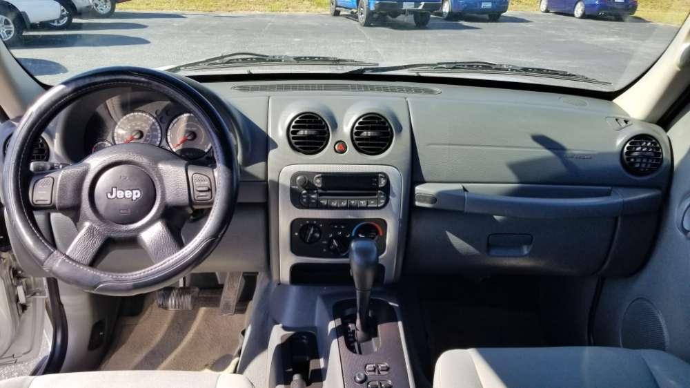 Jeep Liberty 2006 Silver