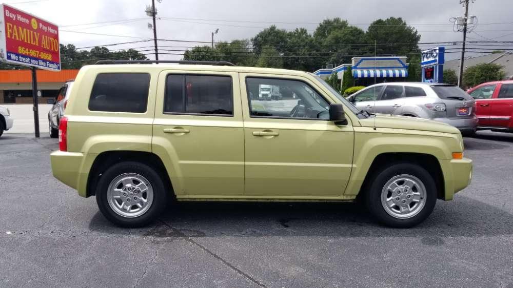 Jeep Patriot 2010 Green